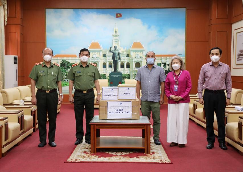 Tập đoàn Masan tặng 150.000 hộp sữa, hỗ trợ dinh dưỡng cho F0 tại các bệnh viện TP. HCM